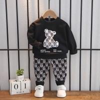 Suéter con estampado de oso y pantalones con estampado de letras para niño pequeño - Hibobi